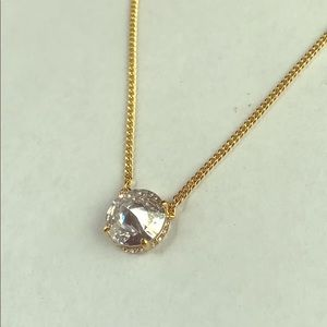 VINCE CAMUTO GOLD TONE NECKLACE!!!